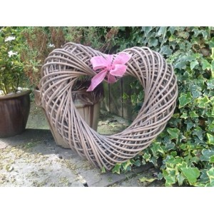 Willow Wicker Large Memory Heart / Wreath (Natural Brown) - PINK BOW - OUT OF STOCK