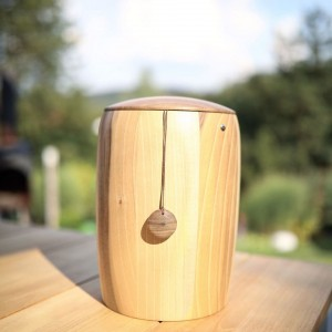 Natural Woodland Walnut Cremation Ashes Urn inc FREE corresponding Chain to Always be with You